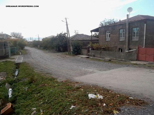 ქუჩა ყვარელში, რომელსაც რეაბილიტაცია არ შეხებია