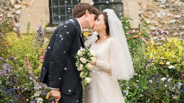 theory_of_everything_wedding_kiss